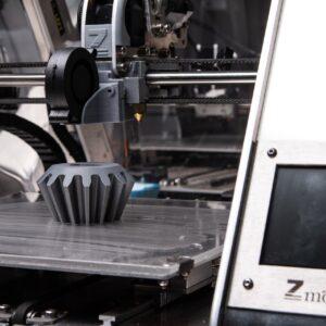 3D-Drucker druckt ein Objekt
